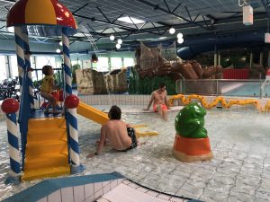 Familiezwemmen bij Zwembad de Peppel