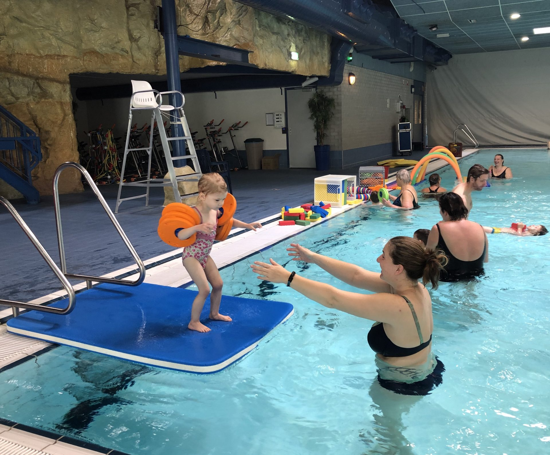 Ouder en Kindzwemmen 1 - 2 jaar bij Zwembad de Peppel